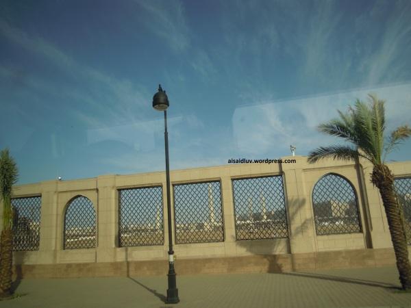DSCN1230 Area Pemakaman Baqi di Medinah