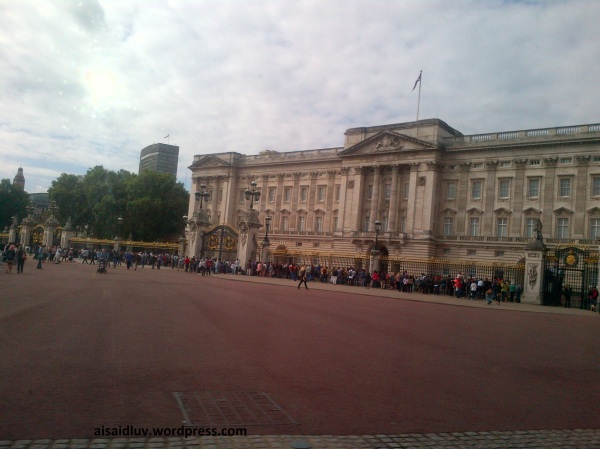 IMG-20140816-01739 - Hello London - Buckingham Place
