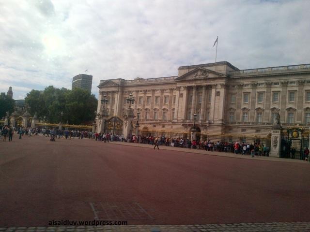 IMG-20140816-01739 - Hello London - Buckingham Place