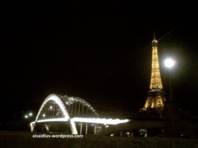 IMG-20140817-01771 - Cahaya Eiffel di Malam hari