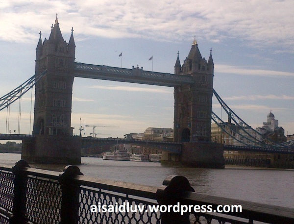 Tower Hamlets-20140816-01737 tower bridge london
