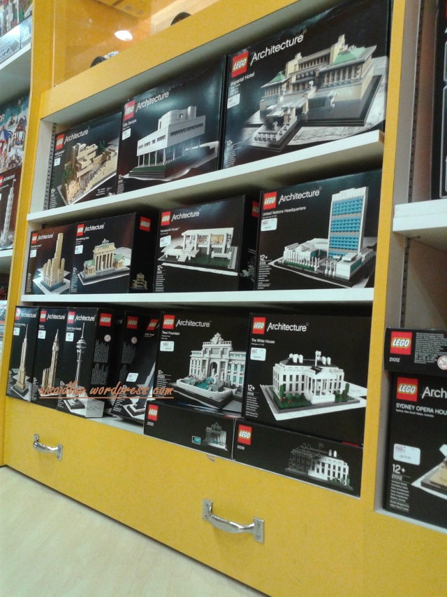 20150101_190426 lego architecture - Singapore - Takasimaya - Tower B