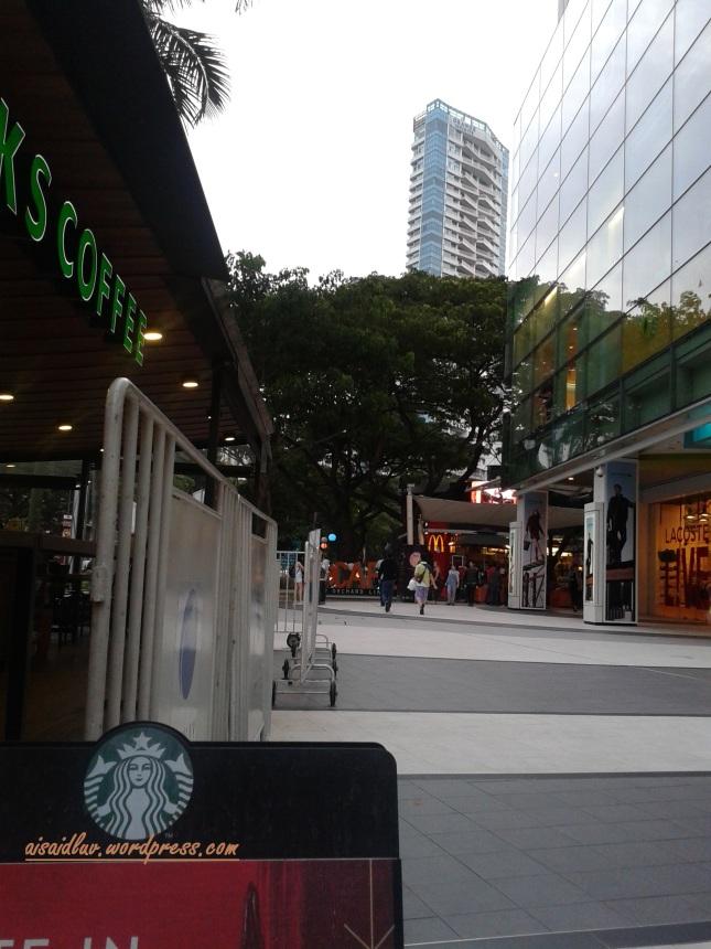 starbucks di daerah Orchard Road