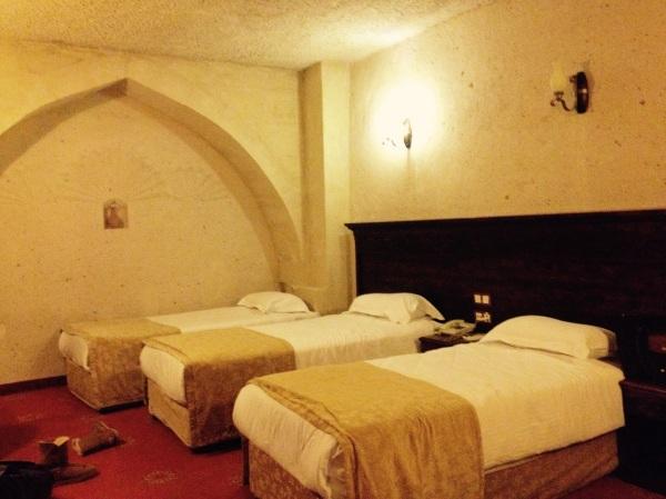 Kamar-nya unik dan pastinya dingin karena pas musim dingin, tapi tenang saja sudah tersedia penghangat ruangan